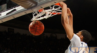 אנתוני דייויס. ב-NBA מזילים עליו ריר  (GettyImages)