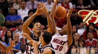 תומאס במדי הספרס. קיבל מעט מאוד הזדמנויות ב-NBA (GettyImages)
