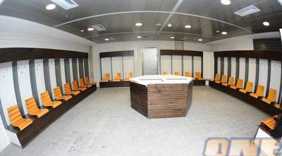 חדר ההלבשה החדש באצטדיון נתניה (האתר הרשמי) (ONE)