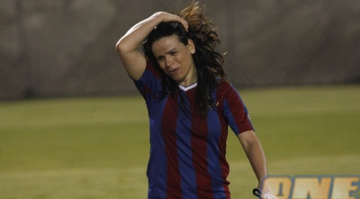 סילבי ז´אן. &qout;חיים רביבו של כדורגל הנשים&qout; (אמיר לוי)