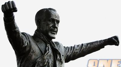 הפסל של ביל שאנקלי. אגדה מקומית (רויטרס)