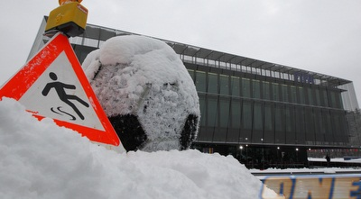 כדורגל בשלג (רויטרס)