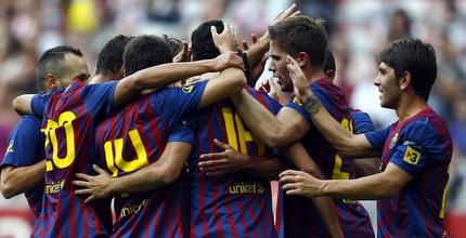 שחקני ברצלונה חוגגים את הניצחון (רויטרס)