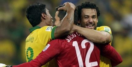 שחקני ברזיל חוגגים עלייה לגמר (רויטרס)