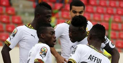שחקני גאנה חוגגים (רויטרס)