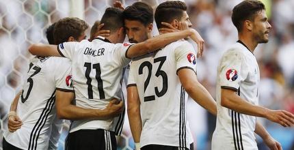 נבחרת גרמניה חוגגת (רויטרס)