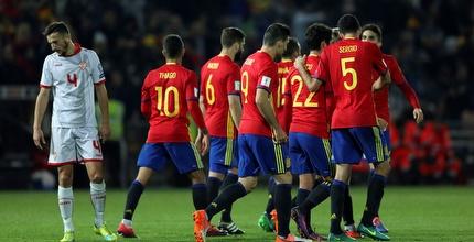 ספרד חוגגת מול מקדוניה (רויטרס)