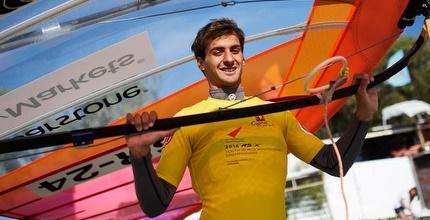 יואב עומר אלוף העולם לנוער (איגוד השייט והתחרות)