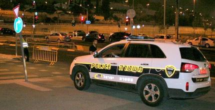 ניידת משטרה (משה חרמון)