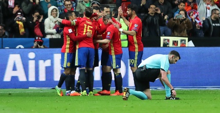 שחקני נבחרת ספרד חוגגים (רדאד ג'בארה)
