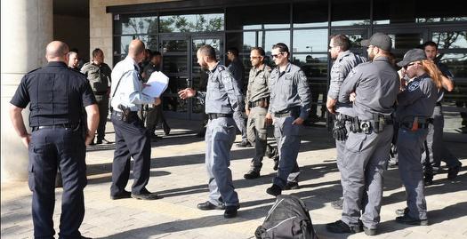 כוחות המשטרה באצטדיון (נעם מורנו)