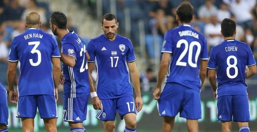 שחקני נבחרת ישראל מאוכזבים (רדאד ג'בארה)