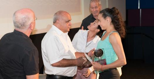 לינוי אשרם מקבלת את פרס ספורטאית השנה (שוקי יקותי)