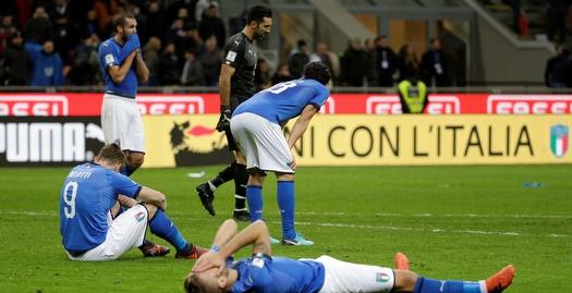 שחקני איטליה מאוכזבים (רויטרס)
