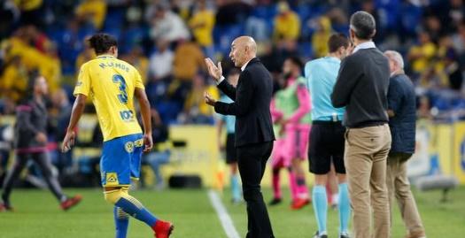 פאקו אייסטרן מתדרך את מאוריסיו למוס (La Liga)