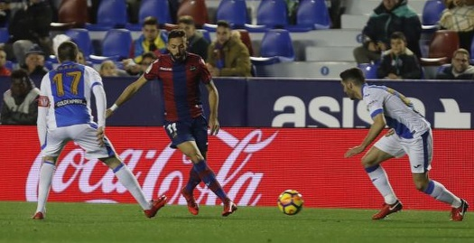 חוסה לואיס מוראלס מוסר בין שניים (La Liga)