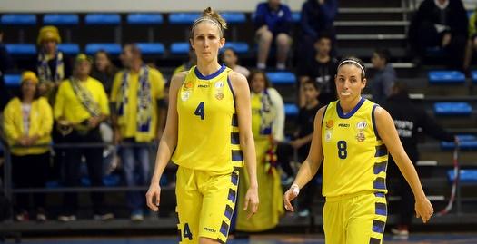 שי דורון וקטיה לוויצקי (אודי ציטיאט, מנהלת ליגת העל לנשים בכדורסל)
