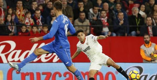 חסוס נאבס עוצר את הכדור (La Liga)