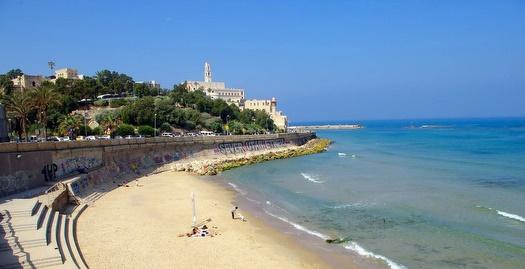 חוף הים התיכון בתל אביב