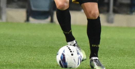 שחקן כדורגל אילוסטרציה (מערכת ONE)
