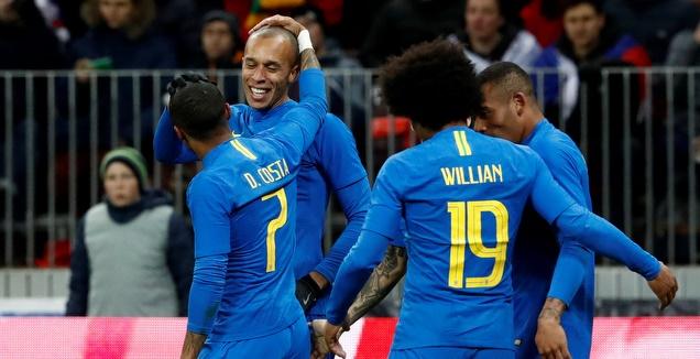 ללא ניימאר: ברזיל גברה 0:3 על רוסיה בלוז'ניקי