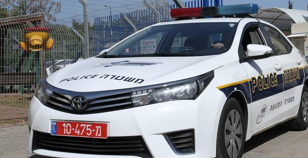 ניידת משטרה (אורן בן חקון)