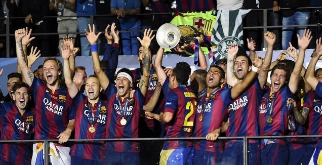 שחקני ברצלונה בפוזה מוכרת מהעשור האחרון (רויטרס)