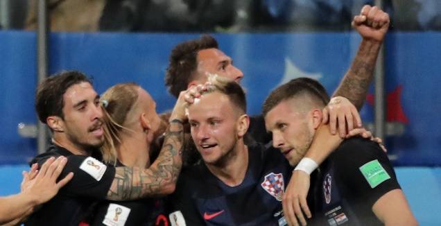 קרואטיה חוגגת בטירוף מול ארגנטינה (רויטרס)