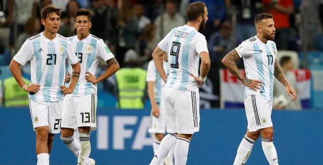 שחקני ארגנטינה. יעלו למרות הכל? (רויטרס)
