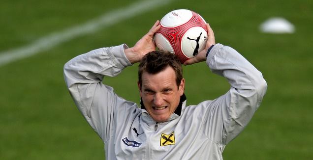 אנדראס הרצוג בתקופתו כעוזר מאמן נבחרת אוסטריה (רויטרס)