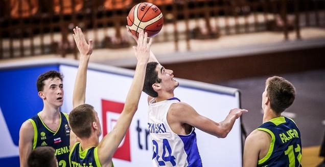 הראל רינסקי זורק לסל (דוברות איגוד הכדורסל)