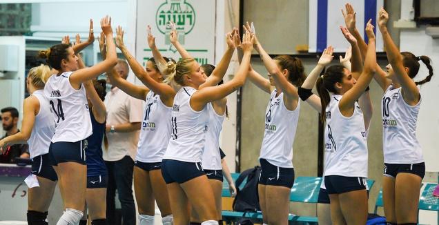 שחקניות נבחרת ישראל (חגי מיכאלי)