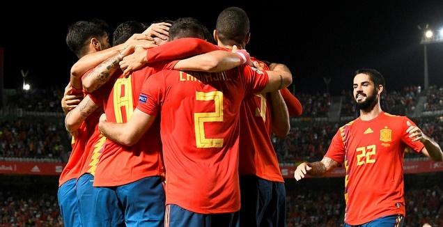 שחקני נבחרת ספרד חוגגים (אופ