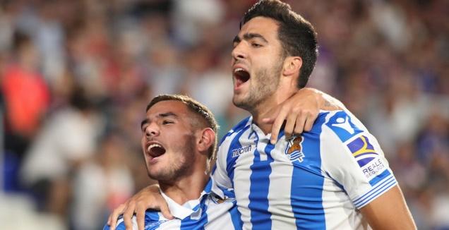 מיקל מרינו ותאו הרננדס חוגגים (La Liga)