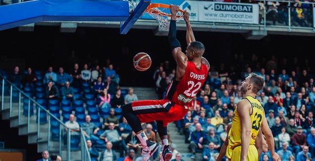 ג'וש אוונס מטביע (FIBA)