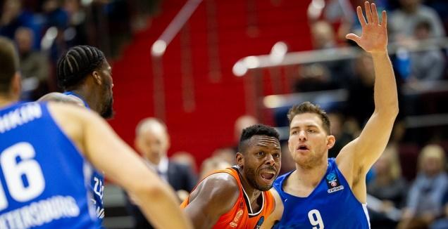 גל מקל בהגנה (FIBA)