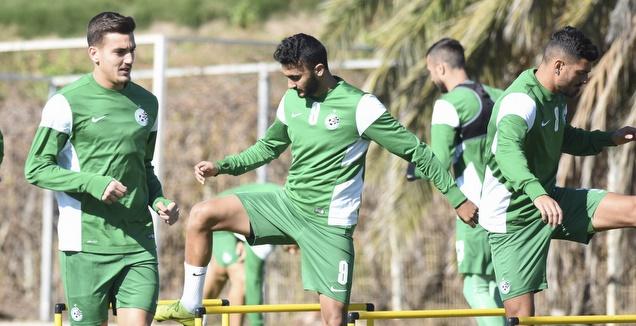 ירדן שועה (משמאל) באימון מכבי חיפה (נעם מורנו)