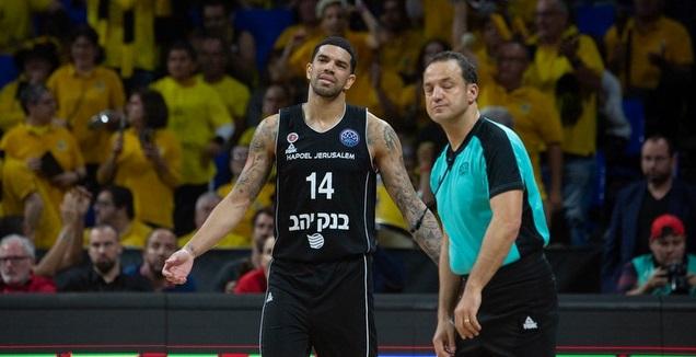 ג'יימס פלדין מאוכזב (FIBA)