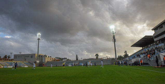 האצטדיון העירוני בהרצליה (נעם מורנו)