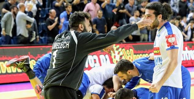 נבחרת ישראל חוגגת  על פולין (הדר ואן קולא איגוד הכדוריד)