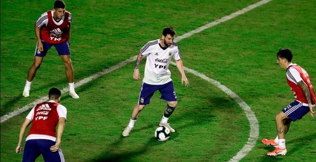 ליאו מסי באימון נבחרת ארגנטינה (רויטרס)