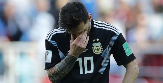 ליאו מסי מאוכזב במדי נבחרת ארגנטינה (רויטרס)