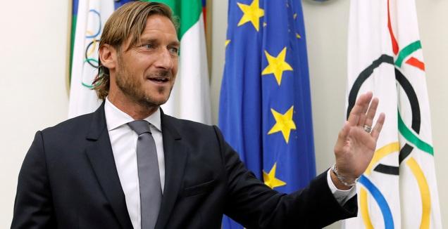 טוטי נפרד מרומא: תקעו לי סכין בגב, לא רצו אותי