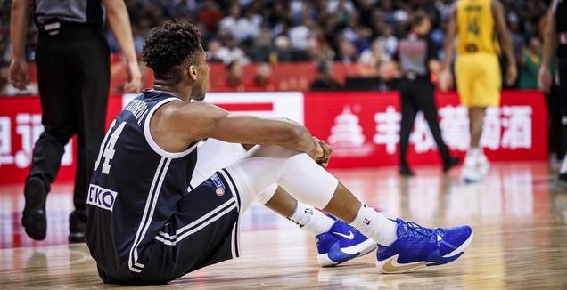 יאניס אנטטוקומפו מאוכזב (FIBA)