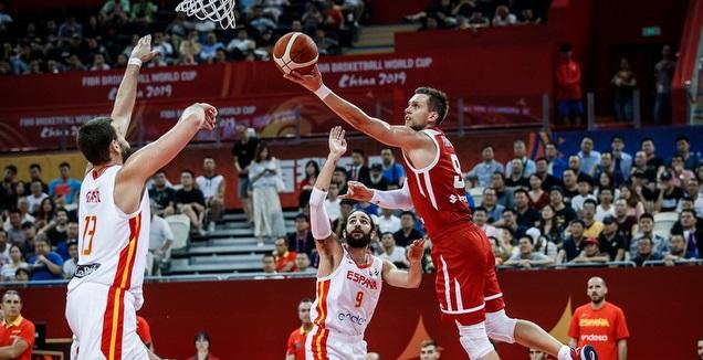 מתאוס פוניטקה עולה לסל (FIBA)