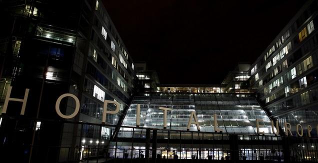 בית החולים בפאריס בו נמצא שומאכר (רויטרס)