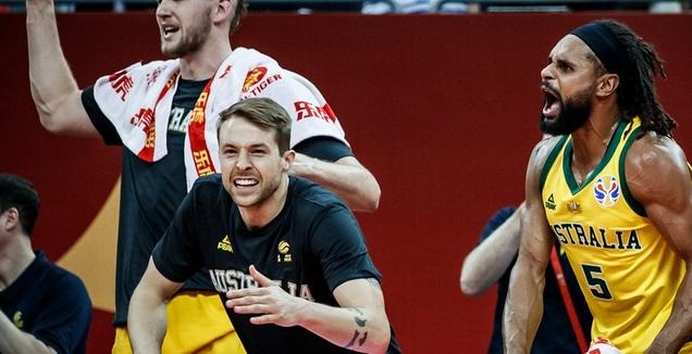 פאטי מילס חוגג (FIBA)