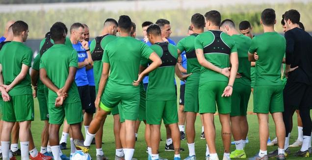 שחקני מכבי חיפה באימון עם מרקו בלבול (חגי מיכאלי)