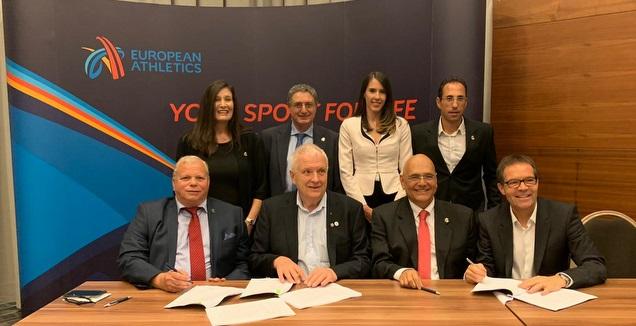 הפגישה לחתימה על ההסכם (באדיבות איגוד האתלטיקה)