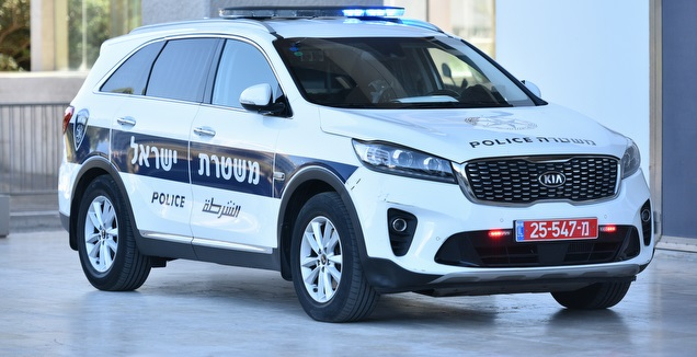 ניידת משטרה (חגי מיכאלי)